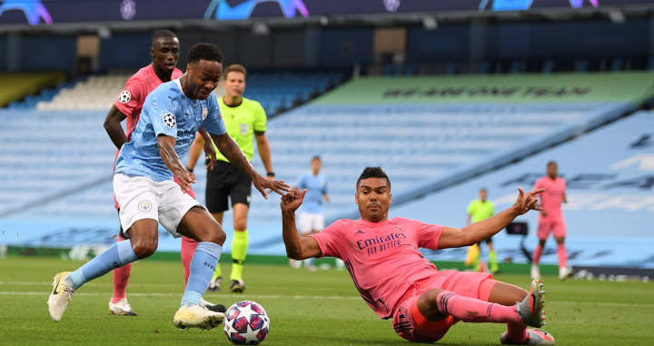 Sterling y Casemiro durante el Manchester City-Real Madrid / EFE