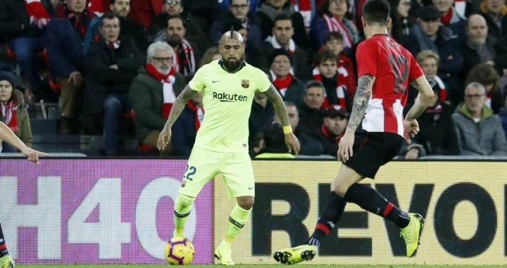 Arturo Vidal jugando contra el Athletic Club este domingo / EFE