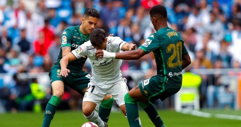 Junior Firpo se come a Marcelo y reclama un sitio en el Madrid de Zidane