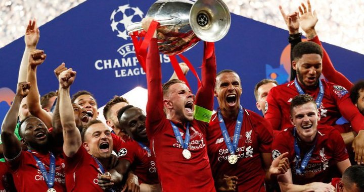El Liverpool levantando la Champions League 2018-19 / EFE