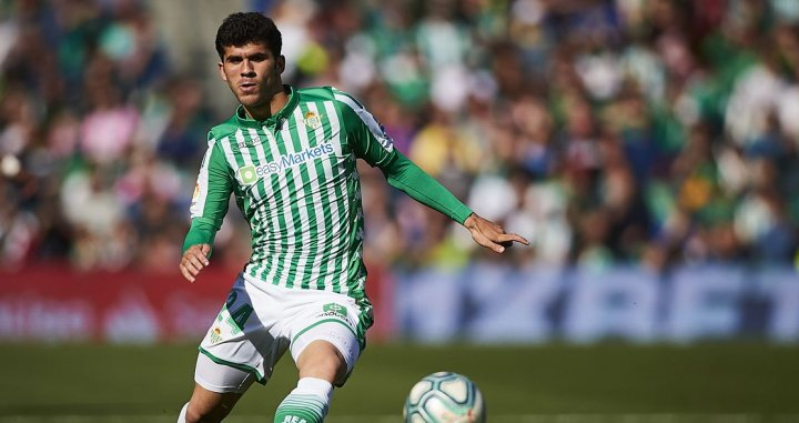 Carles Alena makes his first start for Real Betis in